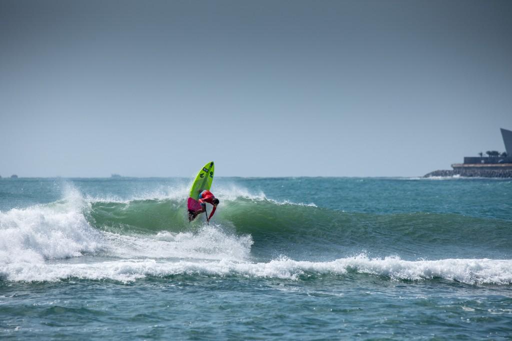Harry Maskell (AUS) en route vers le score de vague le plus élevé de l'événement. Photo: ISA / Pablo Jimenez