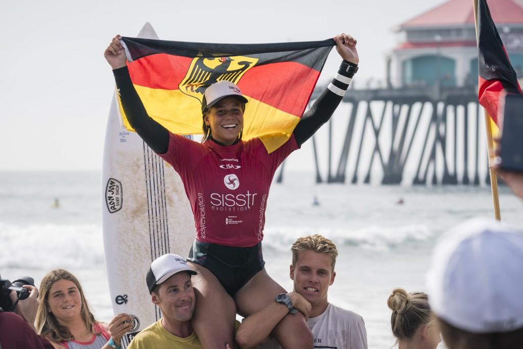 Rachel Presti n'a que des sourires après avoir remporté la médaille d'or féminin U-18 pour l'équipe d'Allemagne. Photo: ISA / Ben Reed