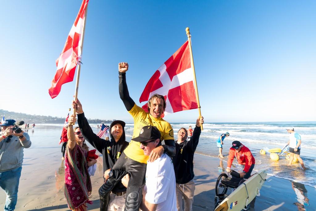 Le Danois Bruno Hansen est tout aussi enthousiasmé par sa quatrième médaille d'or. Photo: ISA / Sean Evans