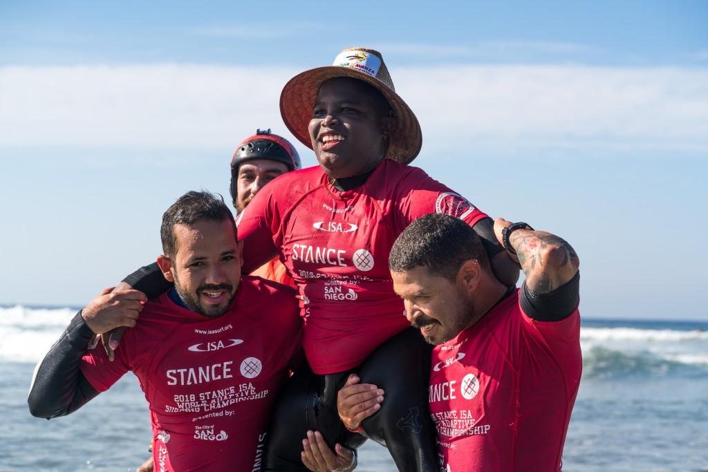 L'ambassadeur colombien des bourses ISA, Freddy Marimon, remporte une médaille d'or historique au Championnat mondial Stance ISA 2018 de Surf Adaptive à La Jolla, aux États-Unis. Photo: ISA / Sean Evans