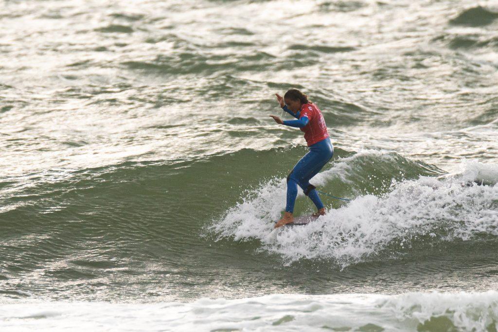 La Française Alice Lemoigne poursuit sur sa lancée et se qualifie pour le Main Event du 3ème tour féminin. Photo: ISA / Sean Evans